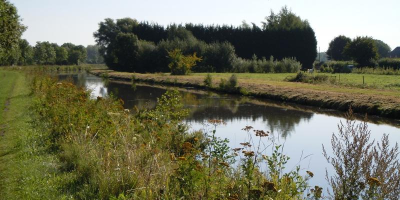 Canal après écluse Landrecies